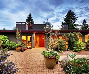 Beautiful Remodeled Mid-Century House in Mercer Island