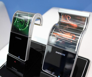 Bendable Screens for Smartphones Will Be Out Early 2013