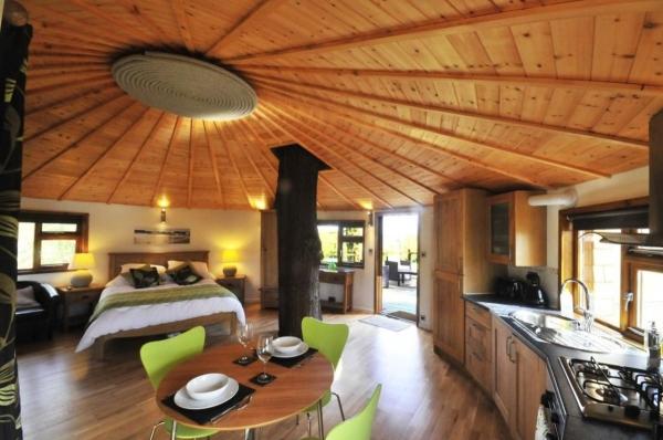bensfield tree house - Tree House Inside