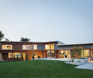 Bent + Sliced Residence in Missouri by Hufft Projects