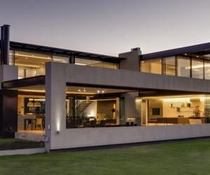 Ber House in Midrand by Nico van der Meulen Architects