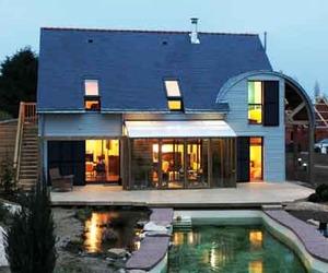 Bio-climatic House, An Environmental Green Building