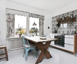 Black & white kitchen designs
