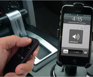 Bluetooth Remote | by Satechi