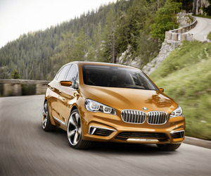 BMW unveiled the Concept Active Tourer Outdoor
