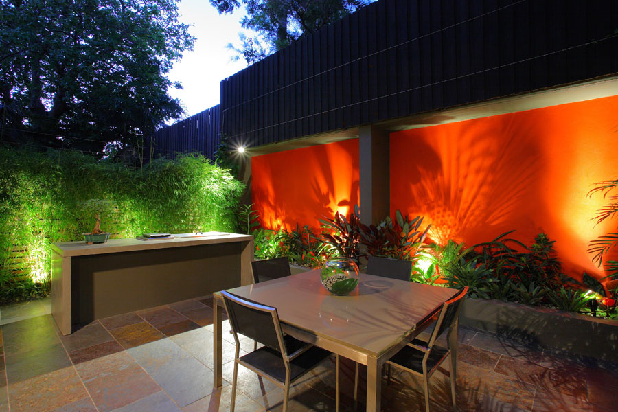 Bold feature wall for birchgrove courtyard design for Courtyard home designs adelaide