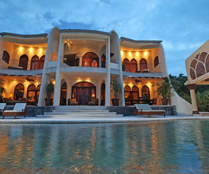 Breathtaking Moroccan-influenced ocean view home