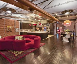 Bright and dynamic Molino Street Loft