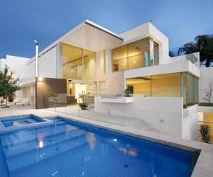 Brighton House by Nic Bochsler