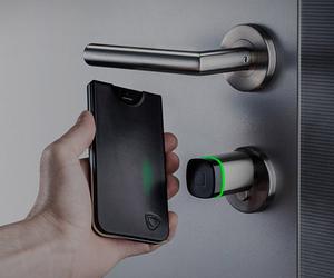 CalypsoKey – NFC Powered IPhone Case