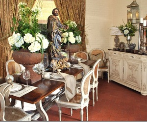 Candlelight, Antiques & Style