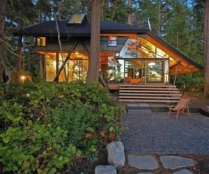 Captivating Sneeoosh Cabin by Zeroplus Architects