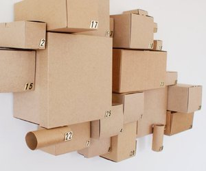 Cardboard cluster calendar (with gift included)