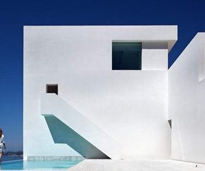Casa del Acantilado by Fran Silvestre Arquitectos