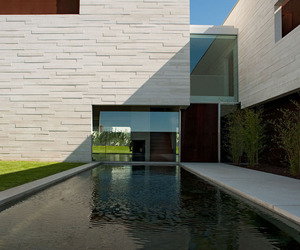 Casa em Aldoar by Topos Atelier de Arquitectura