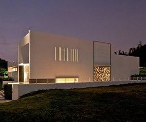 Casa Eriso by Agraz Arquitectos