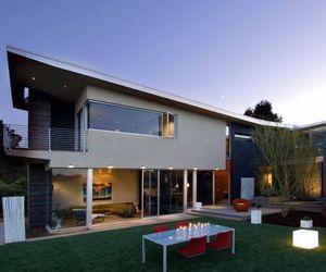 Casa Familia in San Diego by Kevin deFreitas