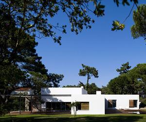 Casa no Banzão ll by Frederico Valsassina Arquitectos