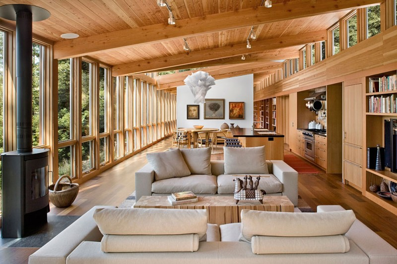 Cedar Wood Clad Cozy Country House - Cozy wooden house
