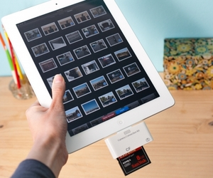 CF and SD Card Readers for Apple iPad