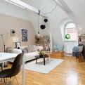 Charming Attic Apartment with Cozy Arrangements