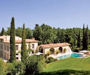 Charming Les Pinchinats Villa in Aix-en-Provence