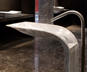 Ciuri Noble Marble Pedestal Sink by Lithea.