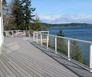 Clearvue Residential Railing from Hansen Arch Systems Inc