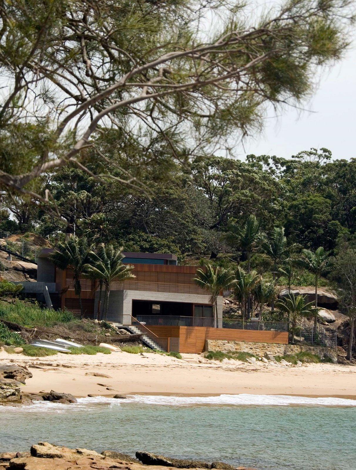 Clinton Murray S Gunyah Beach House In Bundeena Australia