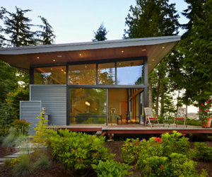 Compact + Modern Sustainable Port Ludlow Residence