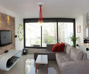 Completely Renovated Apartment in Tel Aviv | Ron Benshoshan