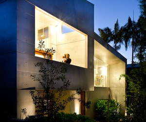 Concrete beach house with Japanese aesthetic