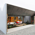 Concrete Japanese House Invites the Outside In
