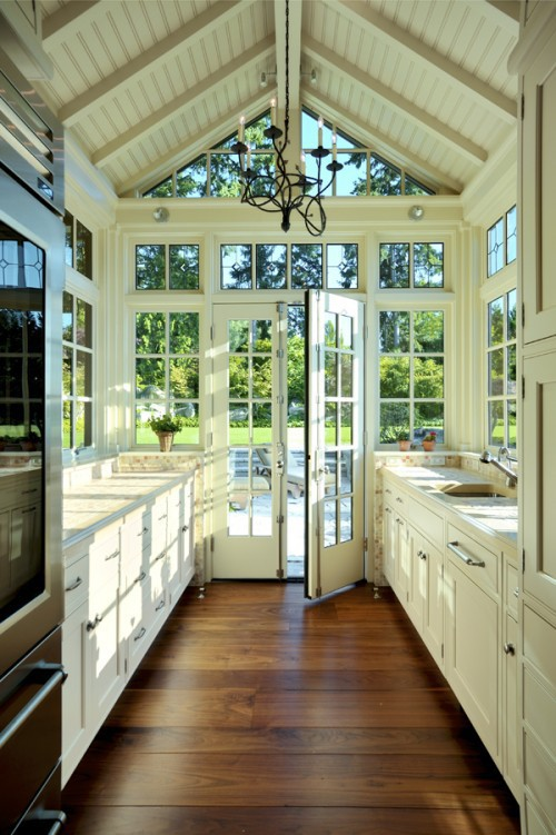 Conservatory-Like Kitchen