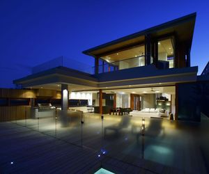 Contemporary Beach Front Residence