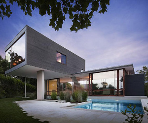 Contemporary beach house at Montauk Point