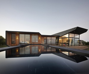 Contemporary beach house in Australia