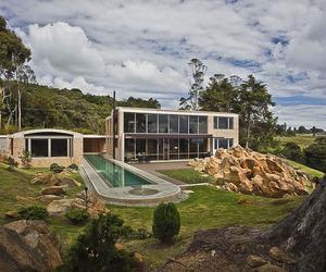 Contemporary Family Residence by Oscar Mesa