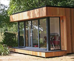 Contemporary garden building