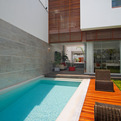 Street House in Lima by Seinfeld Arquitectos