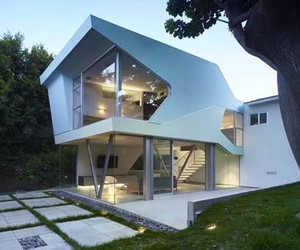 Contemporary Minimalist Family House