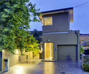 Contemporary Three Story House in Brisbane