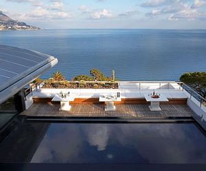 Contemporary Villa O in Cap Ferrat