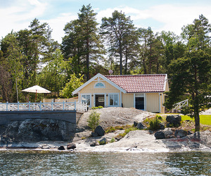 Cozy Seaside Cottage in the Village of Kalvsvik, Sweden