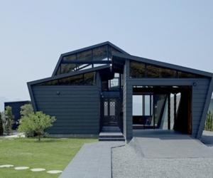 Crisp Design of Villa SSK by Takeshi Hirobe Architects