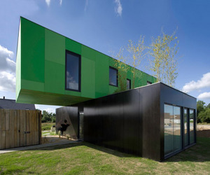 Crossbox, Eco-Friendly House by CG Architects