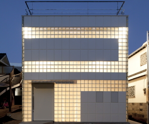 Crystal Brick Ⅱ by Atelier Tekuto