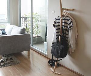 Curve hanger by Kittipoom Songsiri