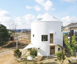 Cylindrical Japanese House