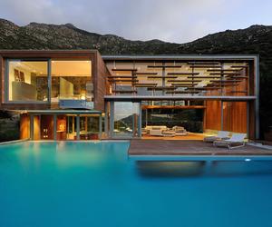 Delighting Spa House by Metropolis Design